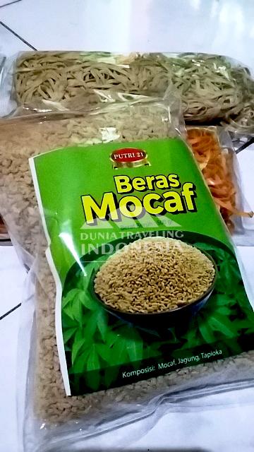 Selain Mie Ayo, Putri21 juga menjual beras mocaf sebagai pengganti nasi